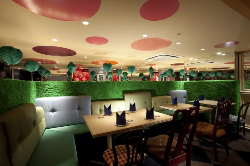 Alice-in-Wonderland-Restaurant-D