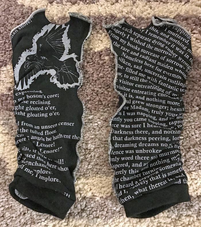 raven-writing-gloves